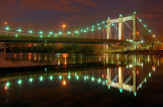 ©Wayne Moran, Hennepin Avenue Bridge Minneapolis. Photograph. Used with permission.